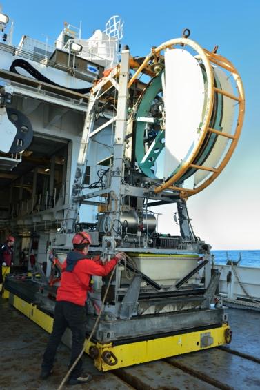 Opération de mise à l'eau du pénétromètre Penfeld